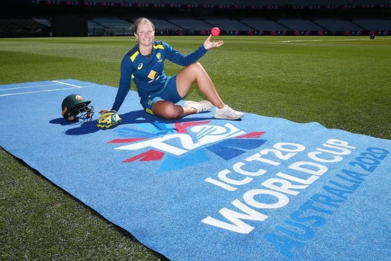 Alyssa Healy tore the record books with the highest-ever catch taken