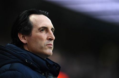Unai Emery watches on as the Gunners take on Man City at the Etihad