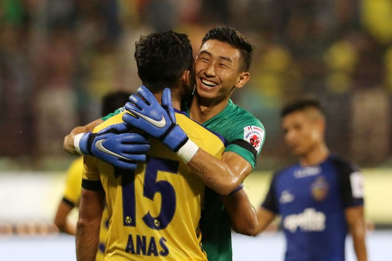 kerala blasters celebrating thier victory