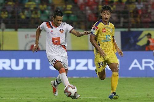 Seriton Fernandes (left) of FC Goa