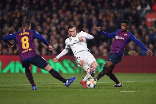 Gareth Bale in action against Barcelona in Copa del Rey semifinal.