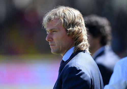 Juventus want new defenders for next season.