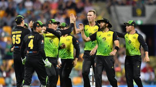 विकेट लेने के बाद ऑस्ट्रेलिया की टीम