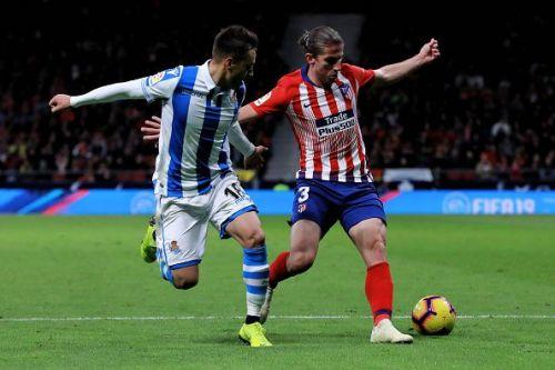 Filipe Luis in action
