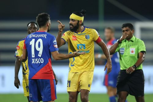 The derby proved to be an engaging spectacle (Photo: ISL)