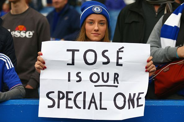 Chelsea fans show support for Mourinho
