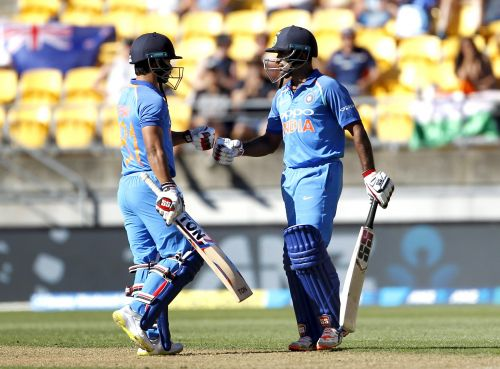 Responsible Batting from Rayudu & kedar jadhav