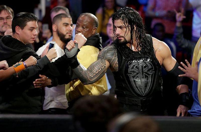 Roman with a fan !
