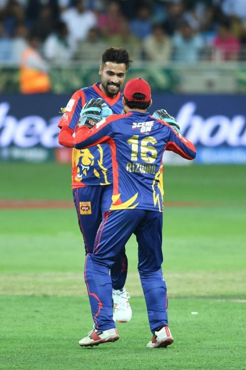 Amir picks 4 wickets