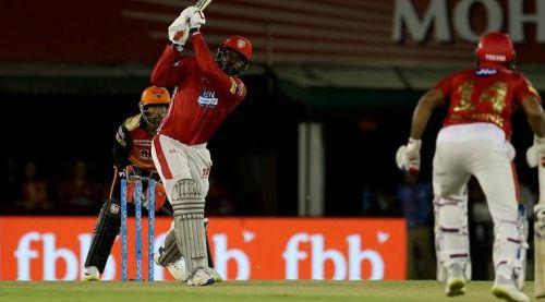 सनराइजर्स हैदराबाद के खिलाफ क्रिस गेल