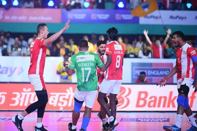 Calicut Heroes remain unbeaten in the Pro Volleyball League 2019 Jerome Vinith top-scored for the Calicut Heroes with 16 points
