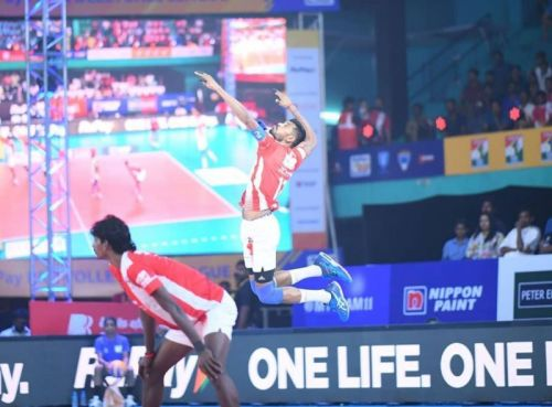 Jerome Vinith top-scored for the Calicut Heroes with 16 points