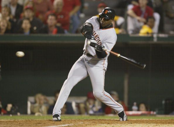 Barry Bonds swinging his bat during the 2002 World Series