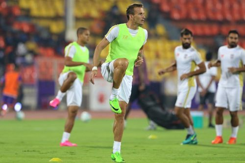 Lucian Goian is hoping for a collective performance from Mumbai City FCagainst FC Goa. [Image: ISL]