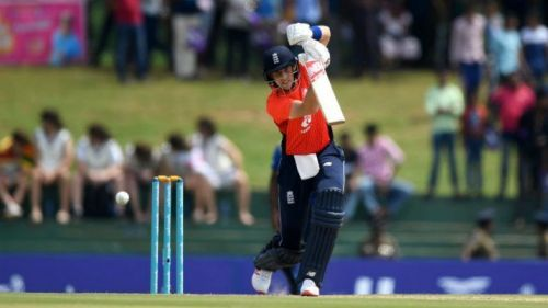Joe Root's 55 helps England recover from a tough situation