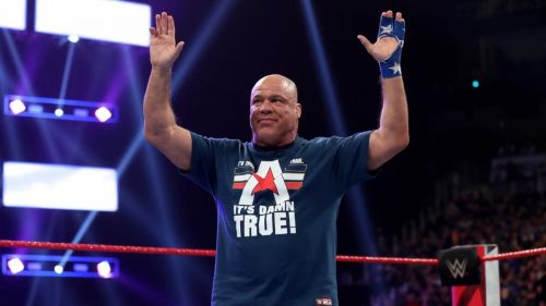 Kurt Angle receives a hero's welcome in his hometown of Pittsburgh.