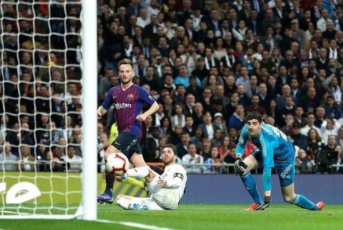 Rakitic scores the winner for Barcelona in the recent El Clasico