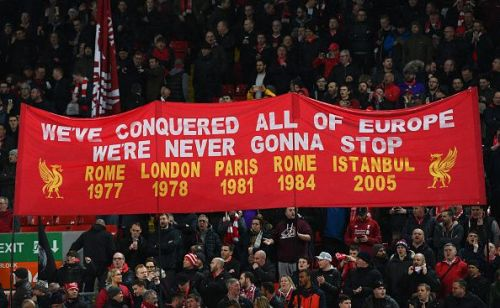 Liverpool fans are hoping that their team wins their first league title since 1990