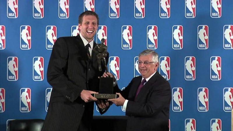 Dirk Nowitzki being awarded the NBA MVP award.
