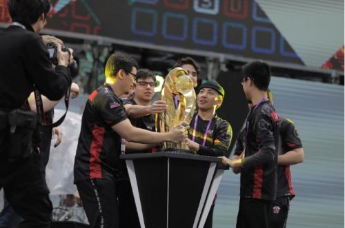 Tribe Gaming with their much-deserved trophy.