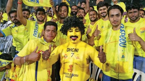 CSK fans dresses to support their team