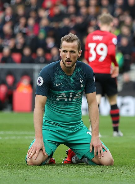 Harry Kane rues another Spurs defeat as their poor form continues (Credit: Getty Image)