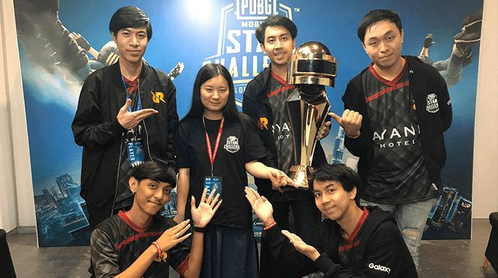RRQ Athena with Star Challenge Trophy