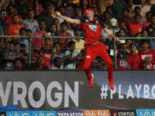 AB De Villiers took this Superman-esque catch last season