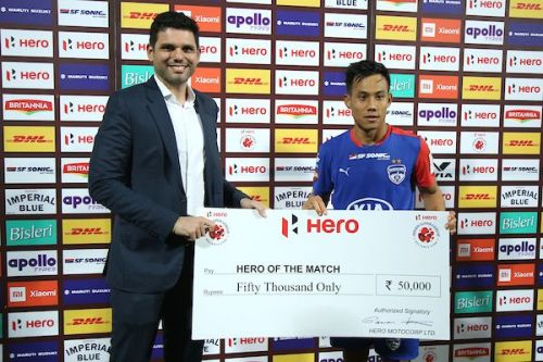 Mustafa Ghouse (left), Bengaluru FC COO, with winger Udanta Singh