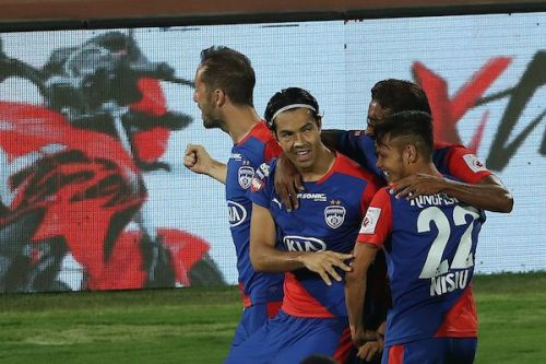 Can Bengaluru FC get their hands on the coveted ISL trophy? (Image Courtesy: ISL)