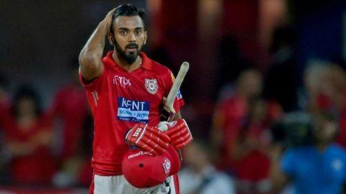 किंग्स एलेवेन पंजाबके बल्लेबाज़के एल राहुल