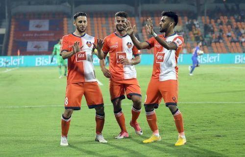 FC Goa players celebrating.