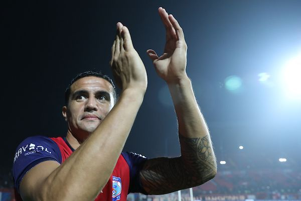 Tim Cahill in Jamshedpur FC colours