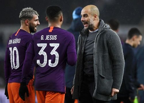 A discussion between Guardiola and Manchester City key players