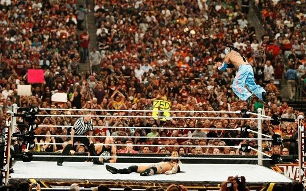 Punk and Mysterio had the crowd on their feet throughout the match