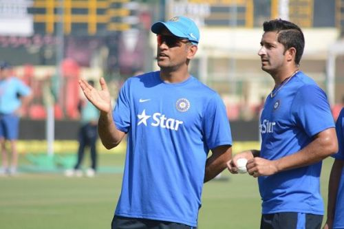 MS Dhoni with Mohit Sharma