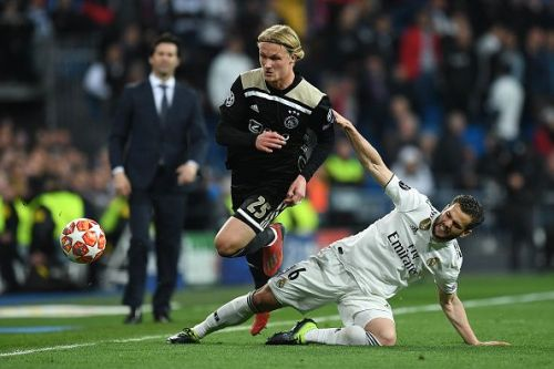 Real Madrid v Ajax - UEFA Champions League Round of 16: Second Leg Lucas Vázquez looks in agony against Ajax