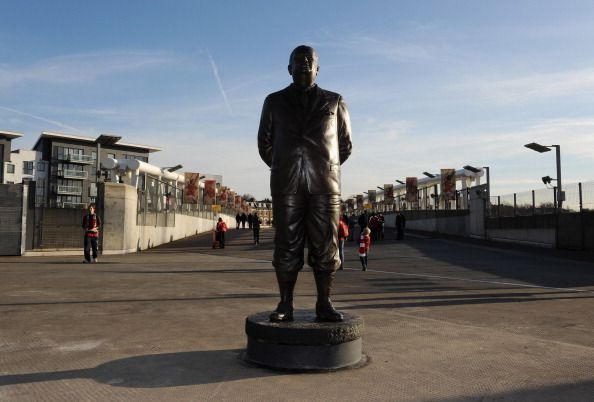 Herbert Chapman statue in Arsenal