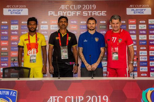 The coaches and players from Chennaiyin FC and Colombo FC at the pre-match press conference