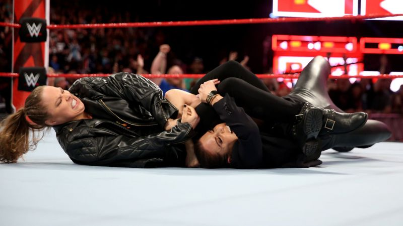 Ronda Rousey attacked Stephanie McMahon locking her in an Armbar