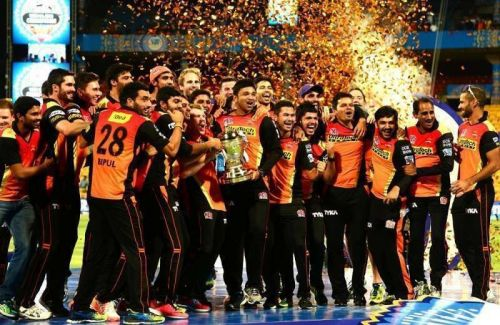 SRH celebrating their victory in 2016