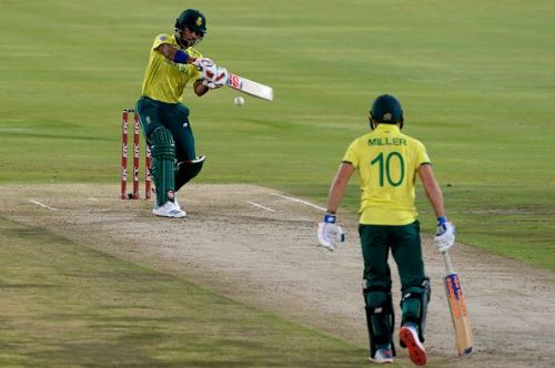 South Africa beat Sri Lanka by 16 runs in the 2nd T20I