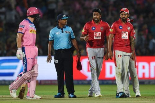 Controversial Dismisal done by Ravi Ashwin