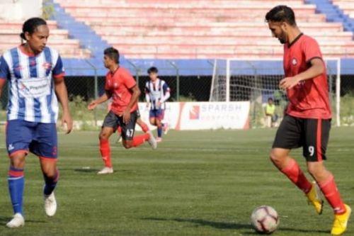 Manvir Singh (right), Ozone FC Bengaluru striker