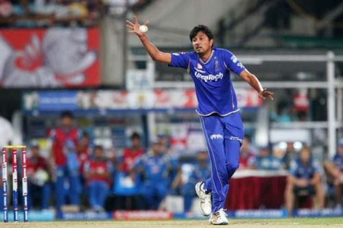 4/25 by Siddharth Trivedi in IPL 2012 is the best bowling performance