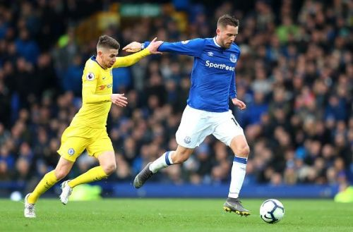Sarri has kept Jorginho in what the public sees as Kante's position.