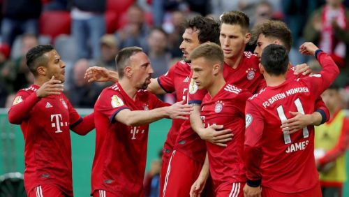Bayern leapfrog Dortmund at the top with a 5-0 win