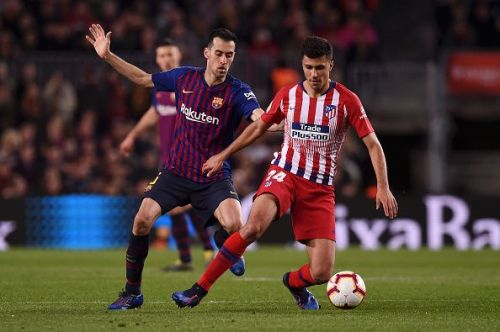 Rodri endured a tough outing against the league's best in Busquets and Rakitic