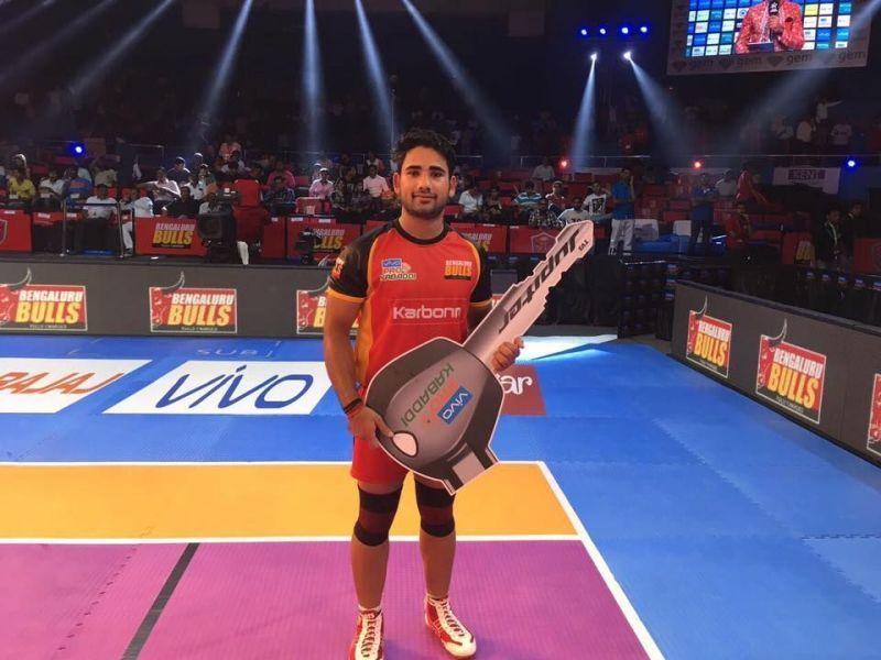 Mahender Singh was retained by Bengaluru Bulls