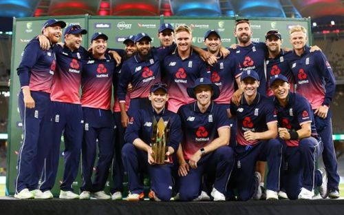 England lifting the trophy after beating Australia 4-1 downunder